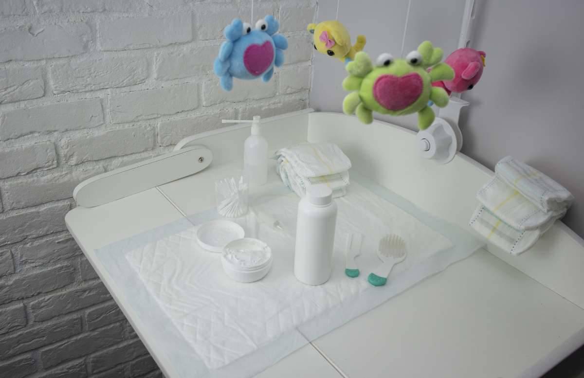 organizzare fasciatoio armadio neonato