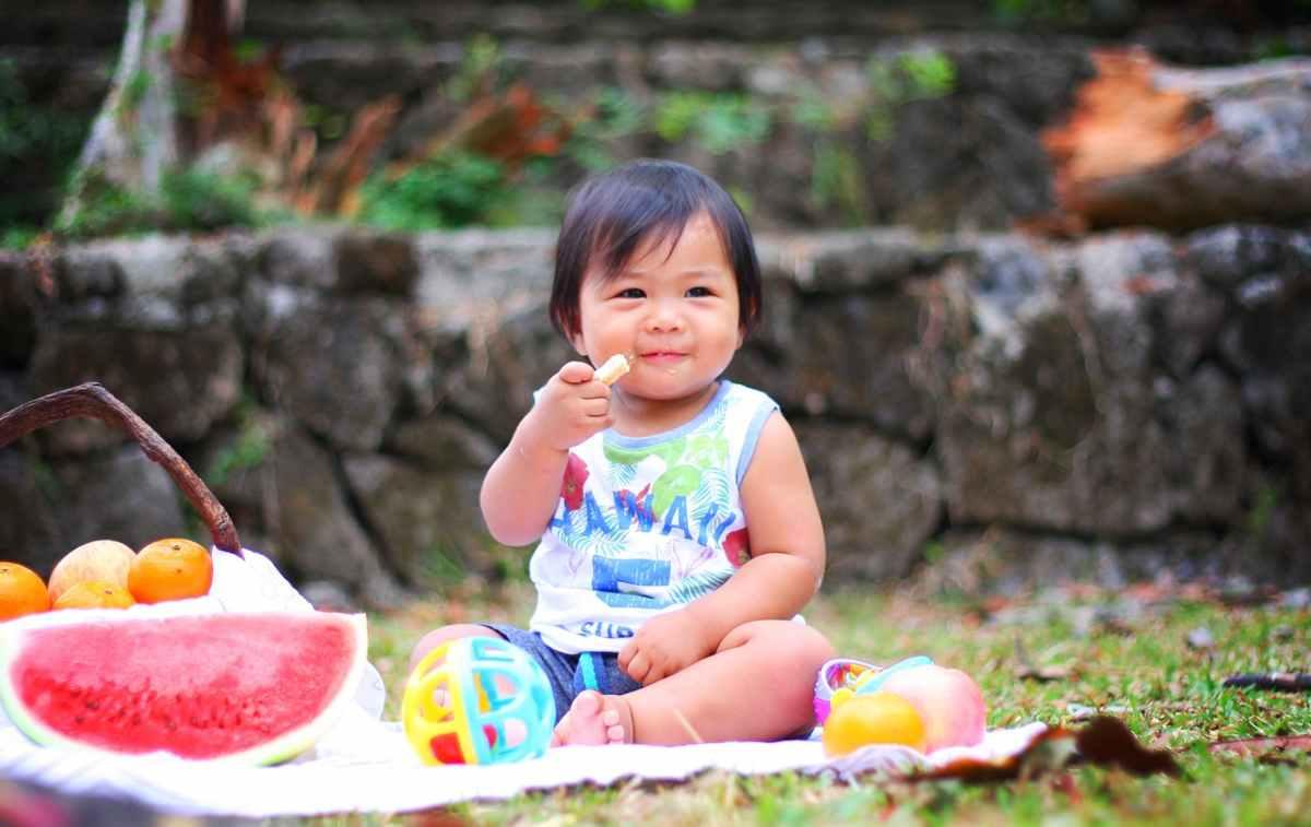 regole d'oro per un rapporto sano tra figli e cibo