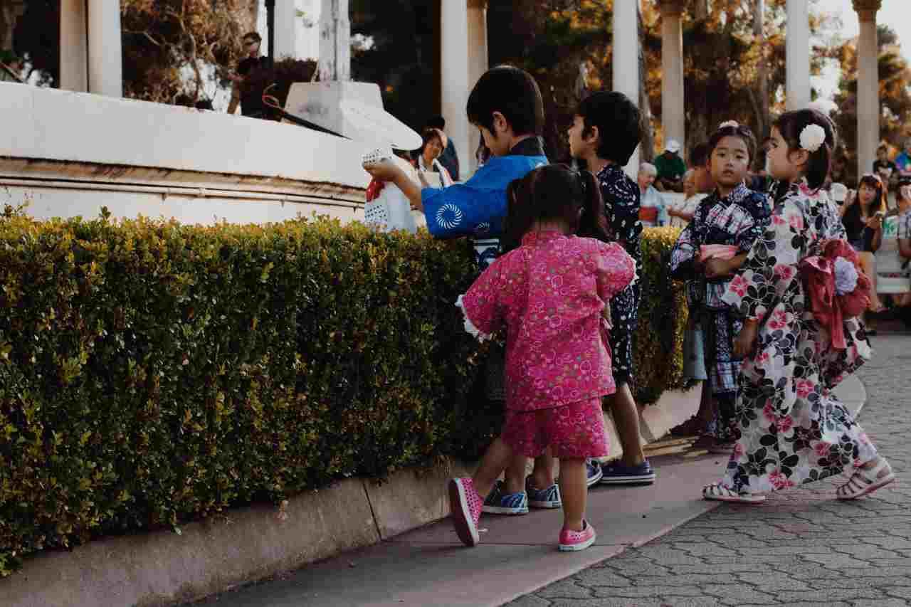 Bambini giapponesi (fonte unsplash)