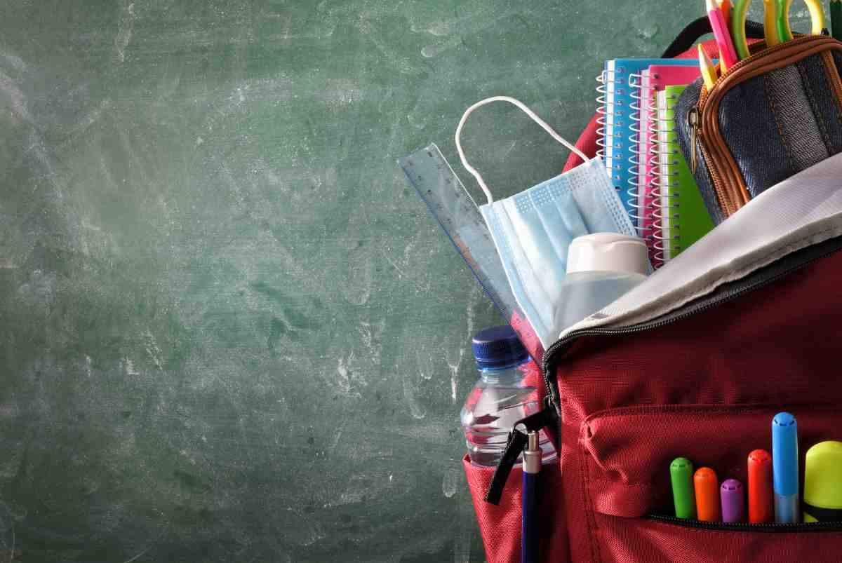 Penne e libri a scuola