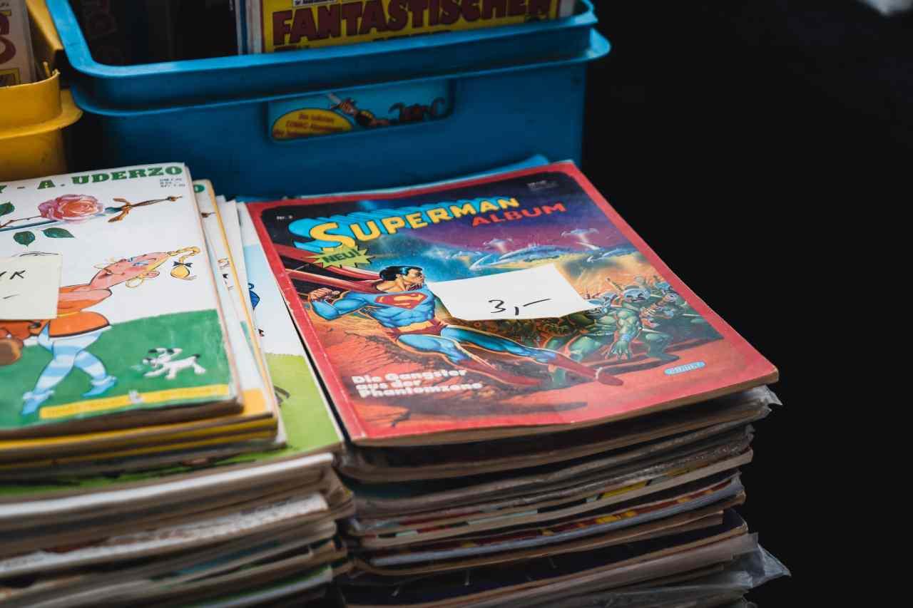 Fumetti e bambini (fonte unsplash)