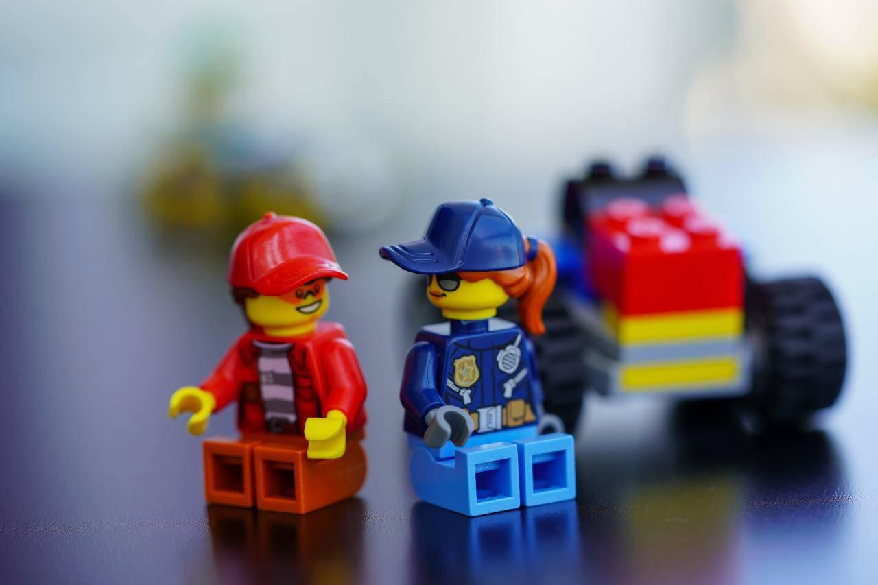 Lego, uguaglianza sessi (fonte unsplash)