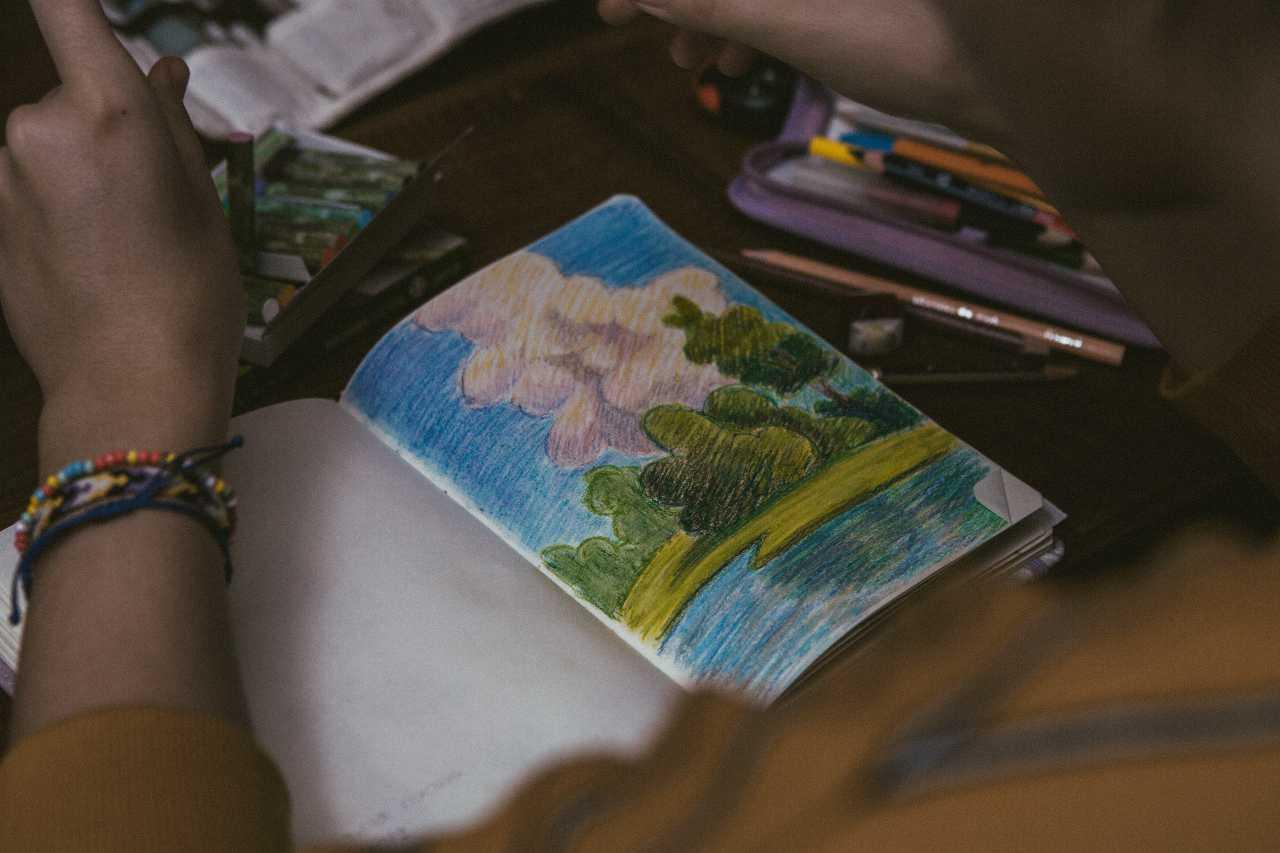 Libri colorati (fonte unsplash)