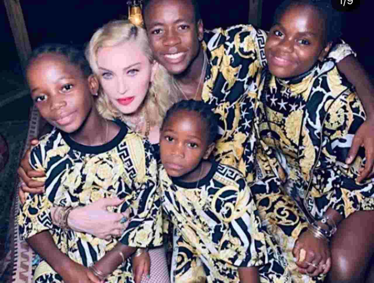 Madonna con le figlie (fonte Instagram @madonna)