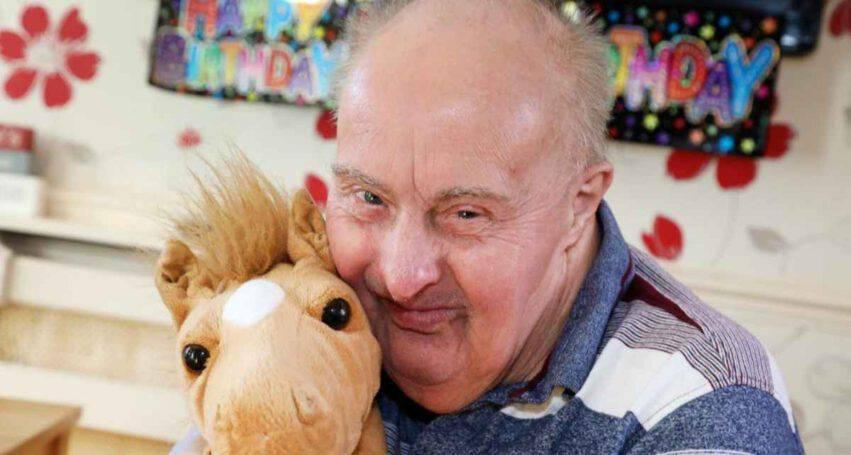 uomo più anziano Sindrome Down