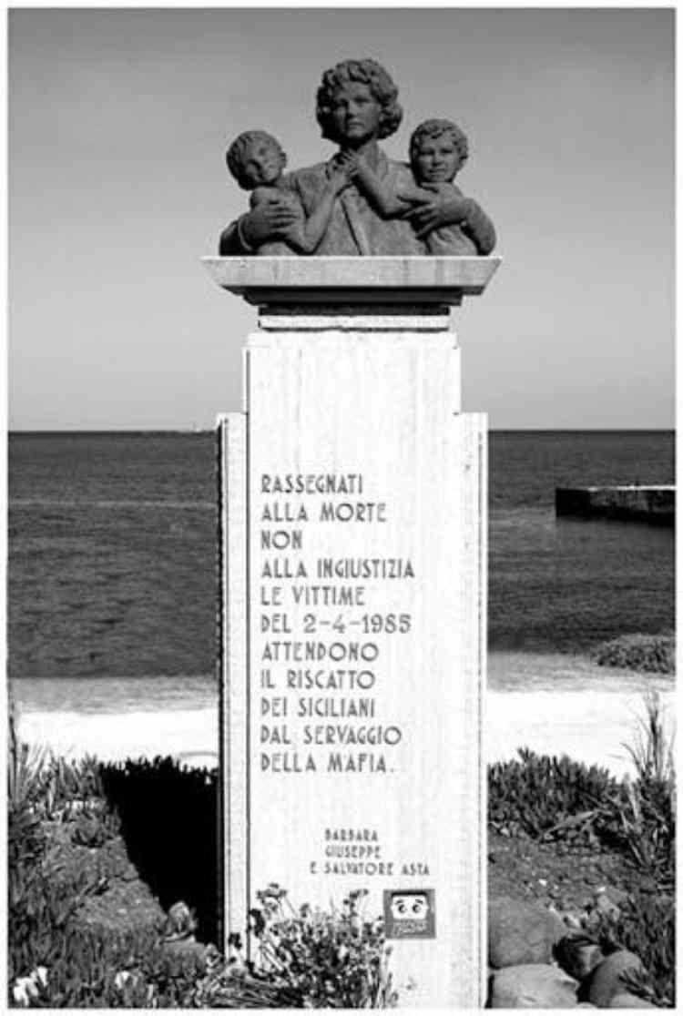 monumento ricordo vittime mafia