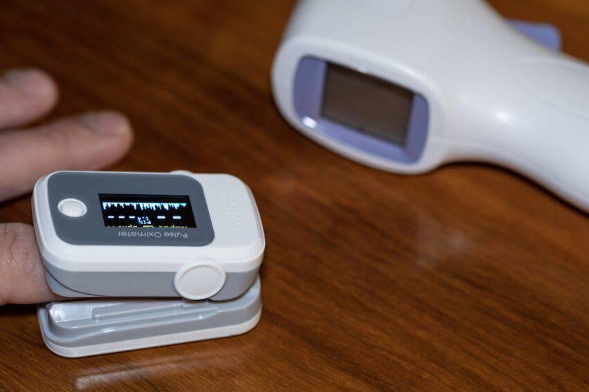 saturimetro e termometro