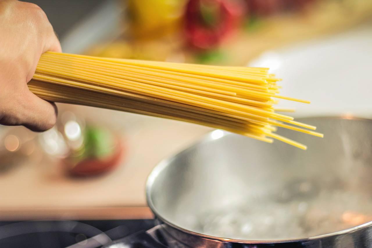 Spaghetti contaminati con erbicida: l'allerta su 20 marche
