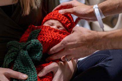 Neonati come regali di Natale