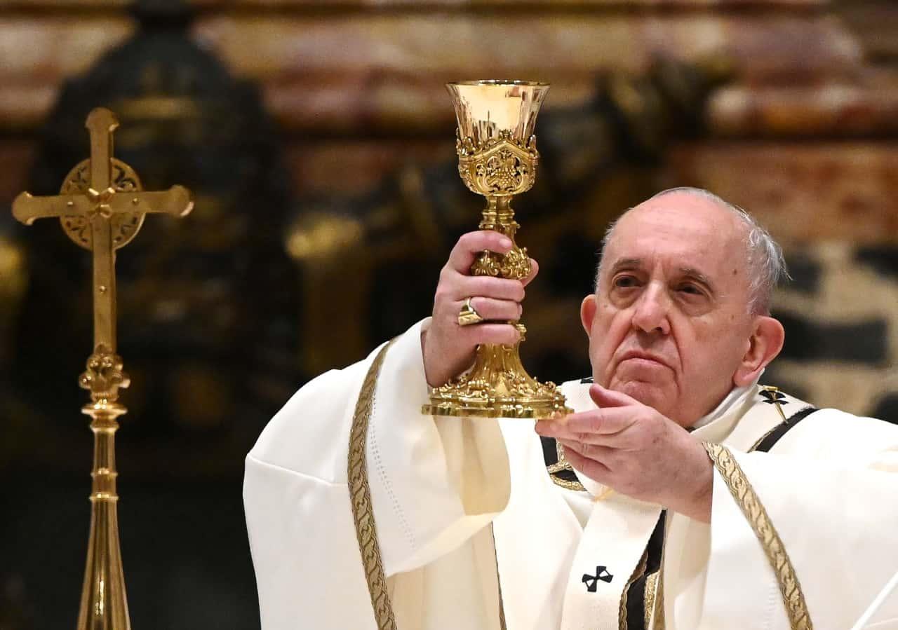 Papa Francesco è malato: niente Te Deum e Messa del primo gennaio