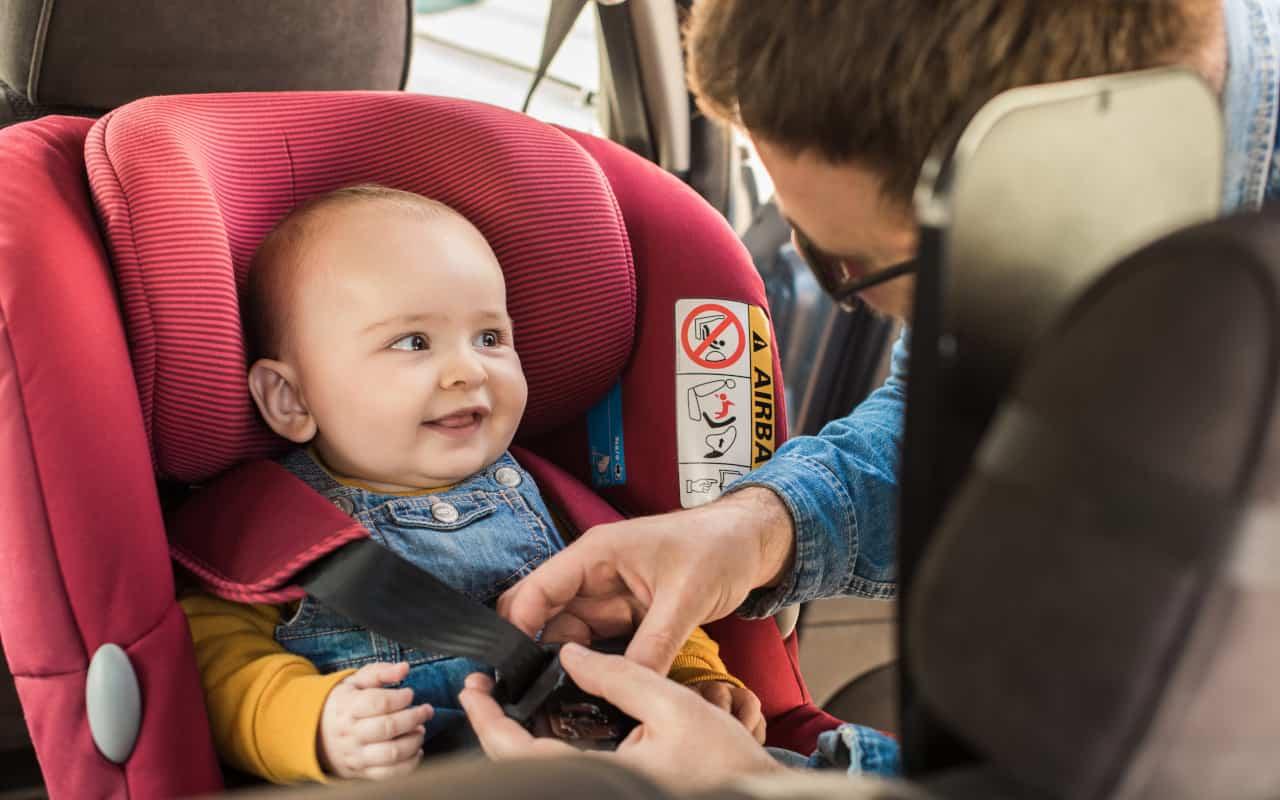 neonati seggiolini auto rischi