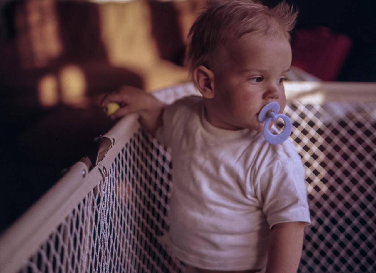 ciuccio neonato (fonte unsplash)