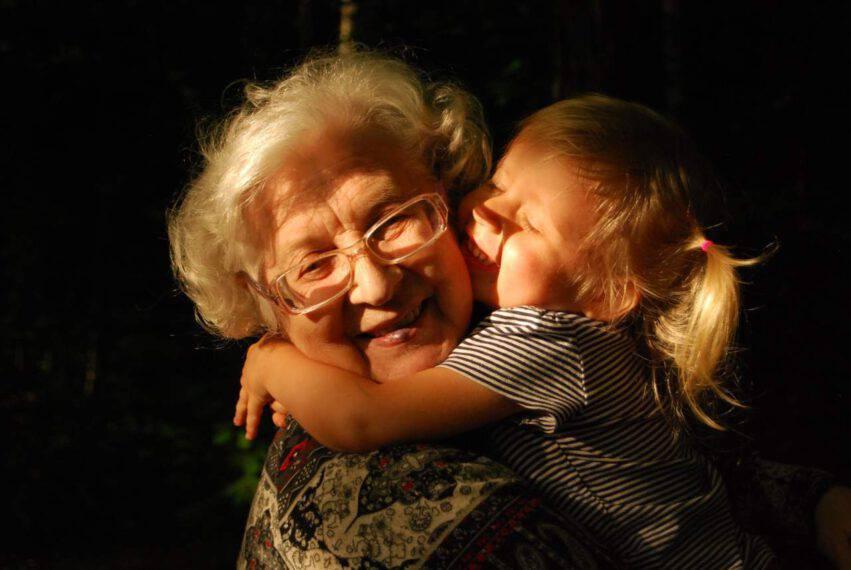 nonna con nipote