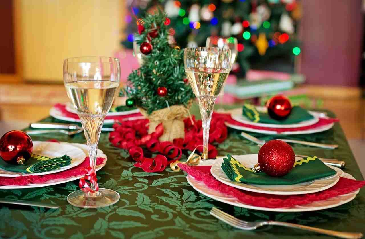 Pranzo di Natale: 5 errori da evitare nell'apparecchiare ...