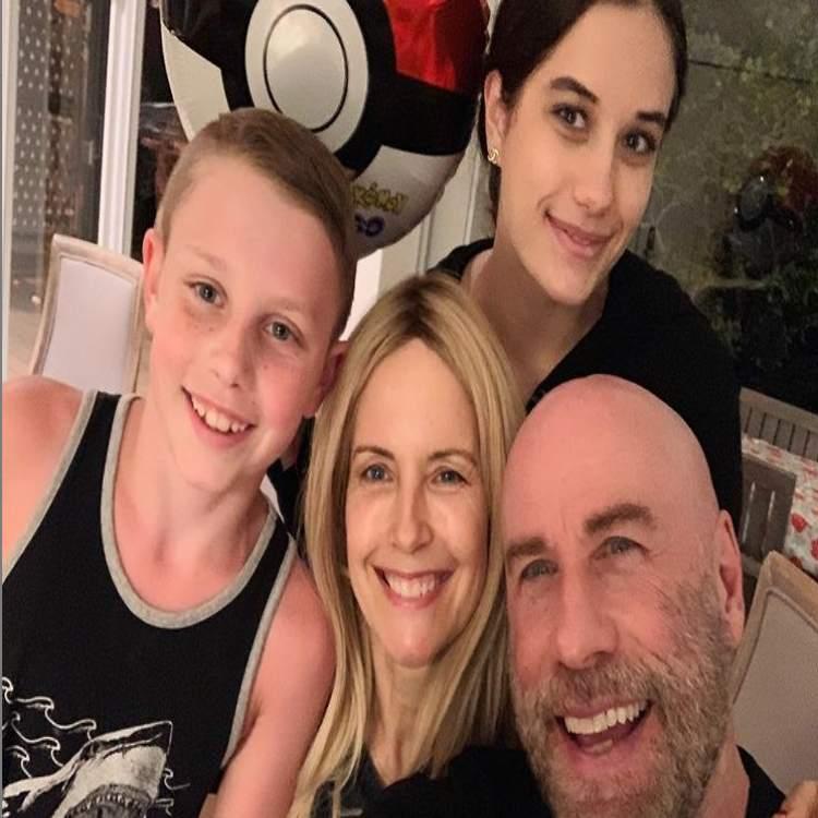 Travolta con la famiglia