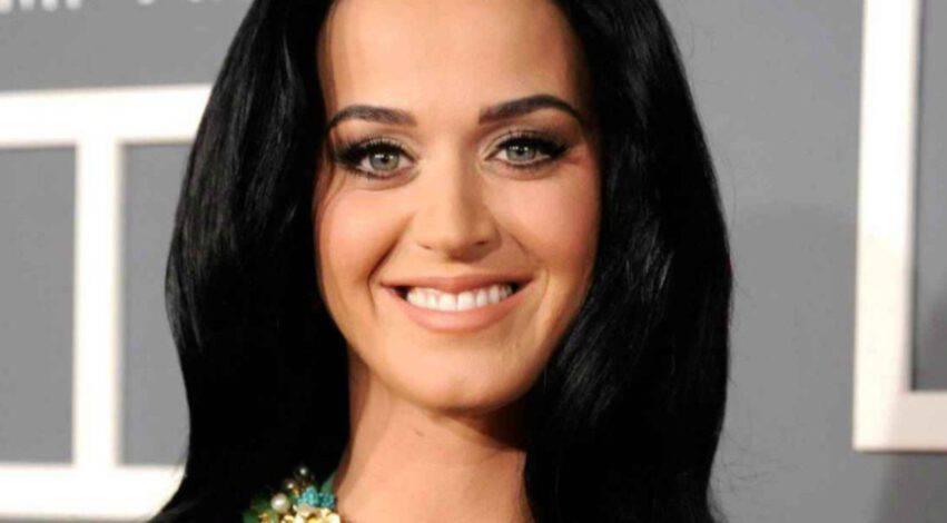 Katy Perry ha definito l'essere madre il miglior lavoro del mondo