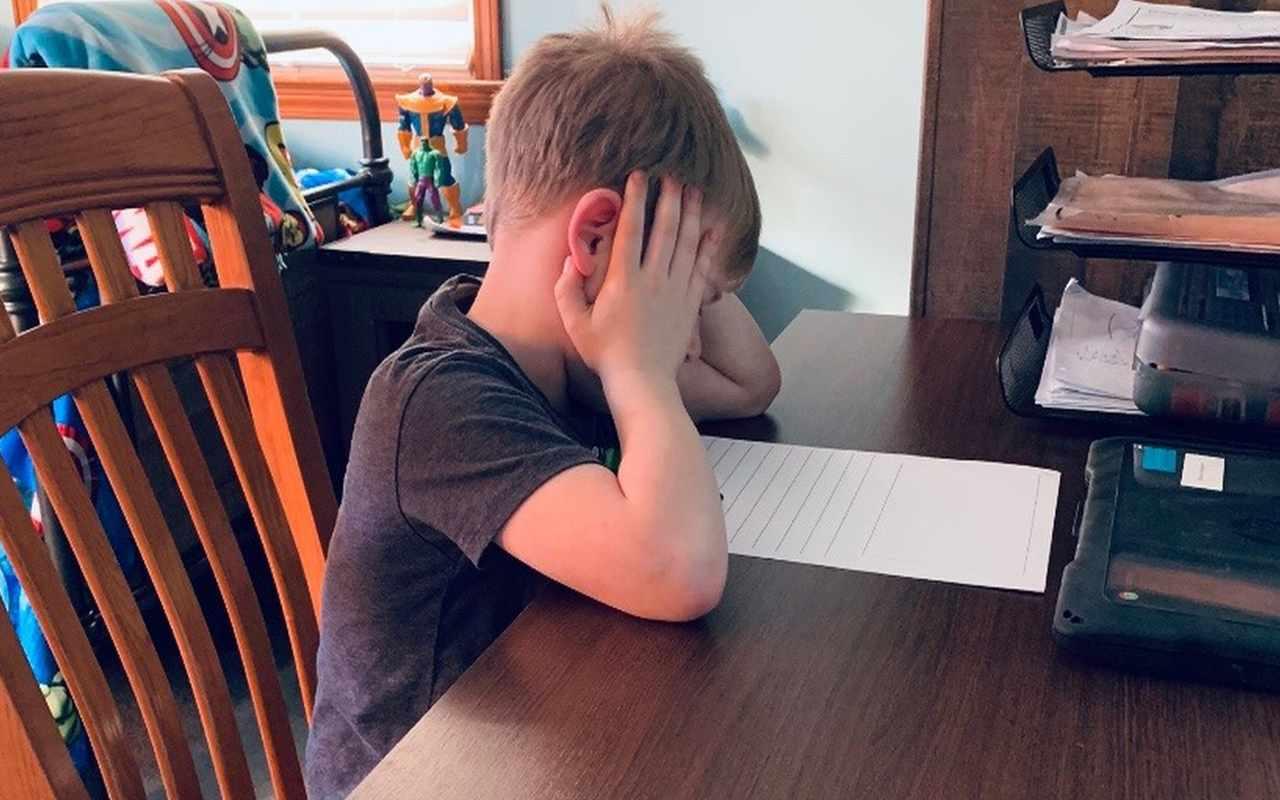 Il figlio che non vuole fare i compiti
