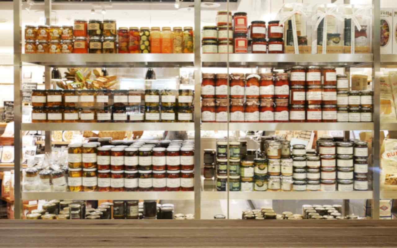 Prodotti alimentari al supermercato