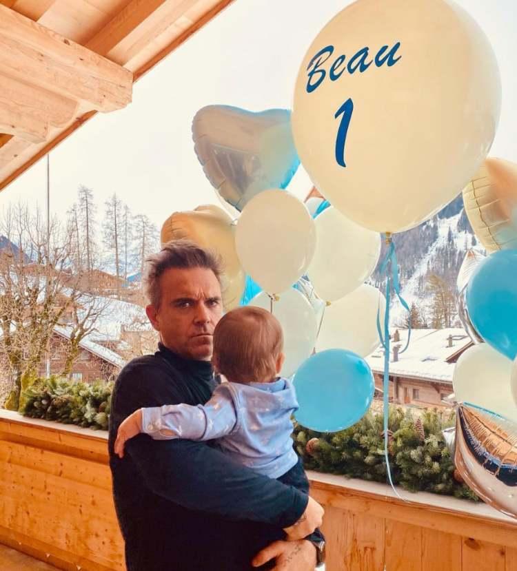 Robbie Williams e il figlio Beau (1)