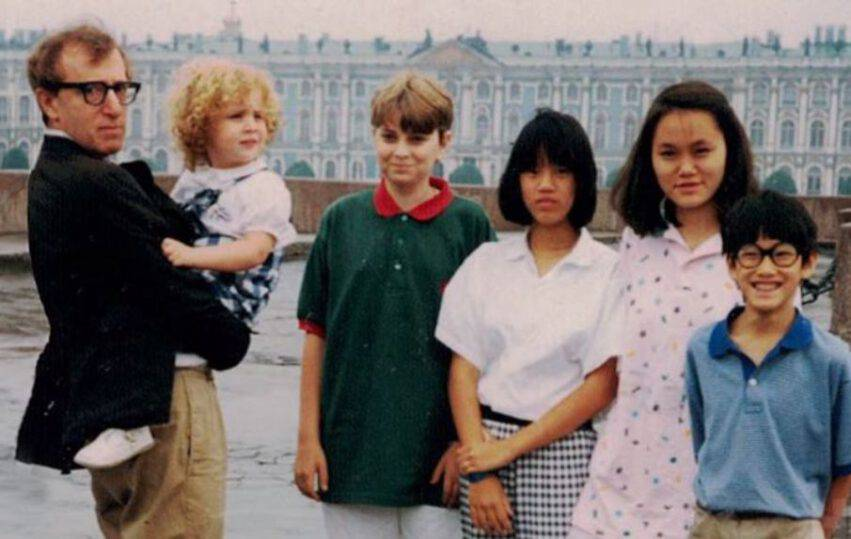 Woody Allen insieme ai figli