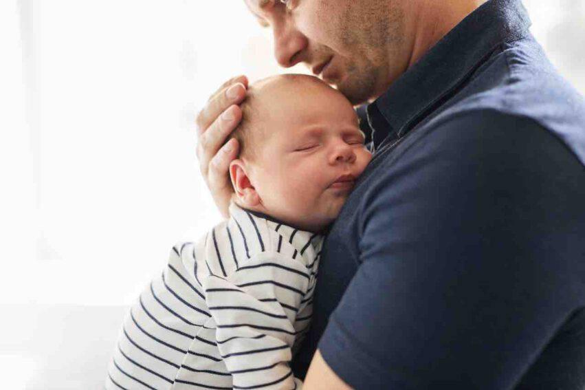 papà con neonato
