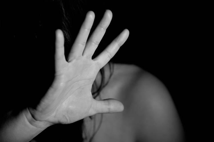 CONTRO LA VIOLENZA SULLE DONNE (1)