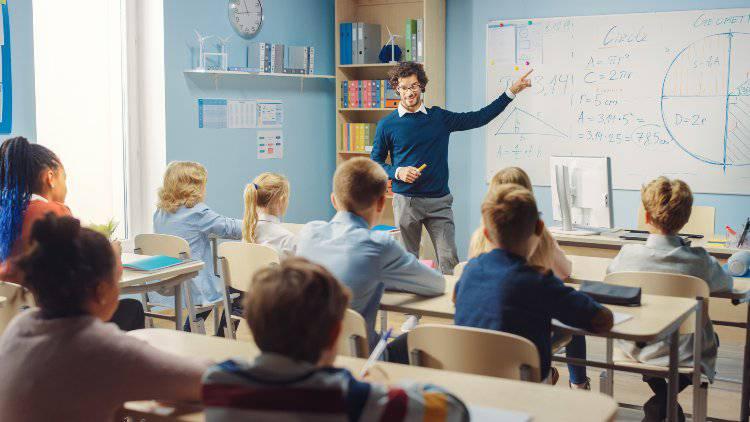 insegnante e studenti