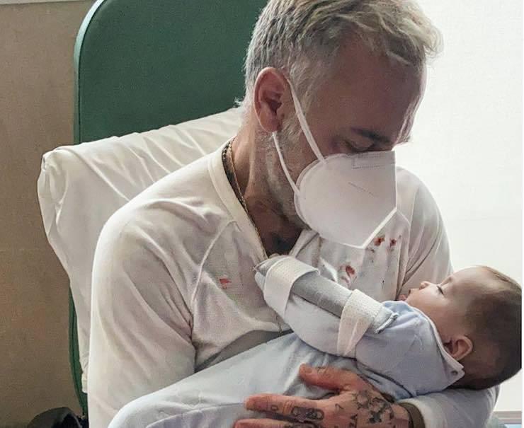 Gianluca Vacchi con la figlia